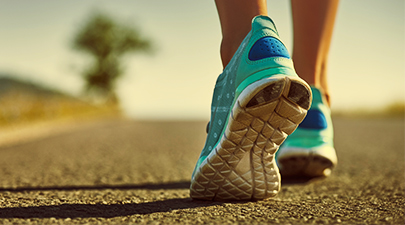405rmq_thinkstock_woman_walking_sneakers
